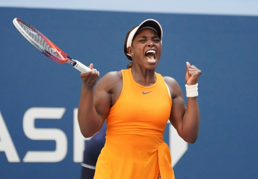 US Open: Stephens rejoint Azarenka au 3e tour après un long combat