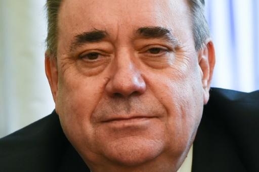 Accusé de harcèlement sexuel, l'ex-Premier ministre écossais Salmond quitte son parti