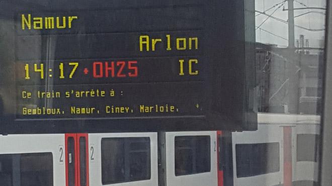 Trains à l'arrêt près de Namur: la circulation rapidement rétablie