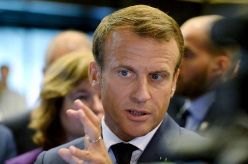 Macron convoque