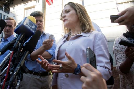 Aléna: les ultimes négociations à la peine