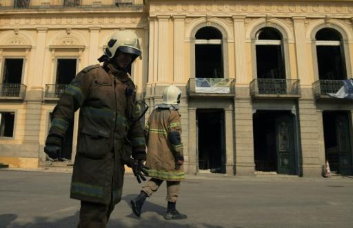 Les Brésiliens indignés après l'incendie du Musée national de Rio