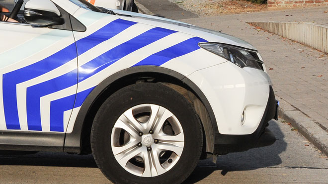 Un enfant de 8 ans heurté par une voiture à Tamise: la jeune victime est grièvement blessée