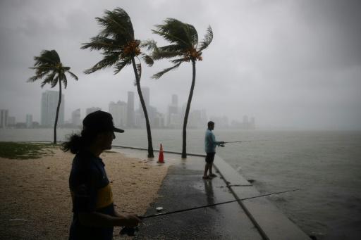 La tempête Gordon arrive sur les côtes américaines, un mort