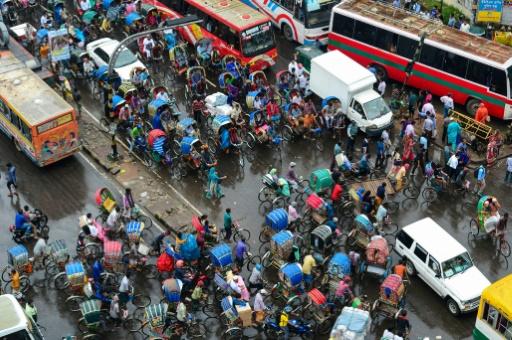 Bangladesh: pas d'essence pour les motard sans casques