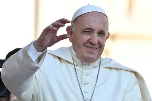 Le pape défend le repos dominical et critique le