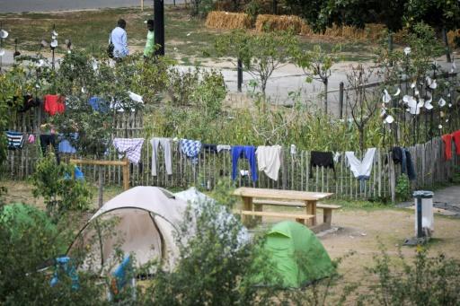 Quelque 500 migrants campent toujours dans le centre de Nantes