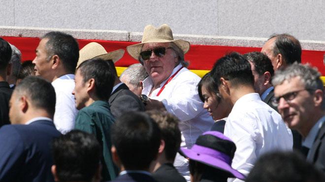 Depardieu aperçu en Corée du Nord lors d'une parade militaire géante