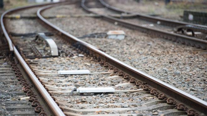 Un contrôleur de train poignardé après une dispute avec un fraudeur
