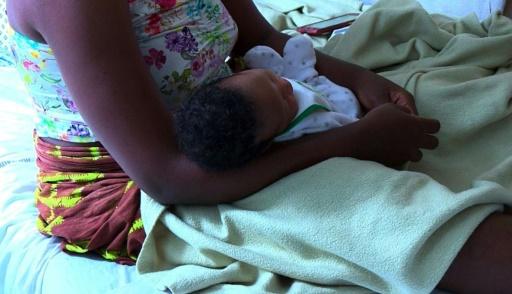 A Saint-Denis, l'hôpital plutôt que la rue pour des mères sans-abri et leur bébé