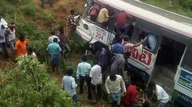 Inde: 50 morts dans un accident de bus