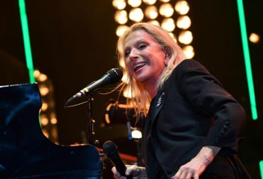 Véronique Sanson annule ses prochains concerts pour soigner une tumeur