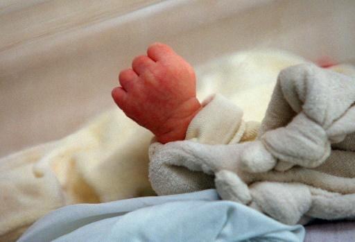 Un rapport propose de porter le congé paternité à deux ou trois semaines
