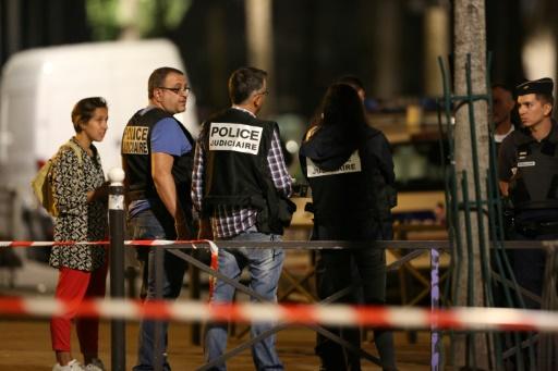 Agressions au couteau à Paris: le suspect présenté à la justice