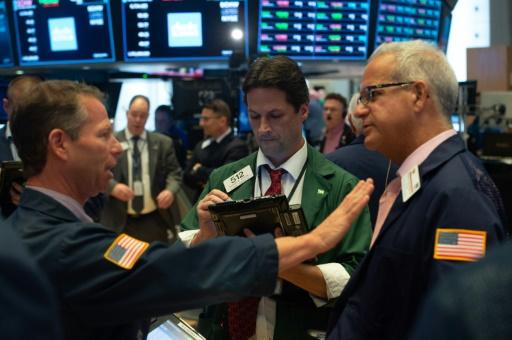 Wall Street tiraillée à l'ouverture entre l'énergie et la technologie