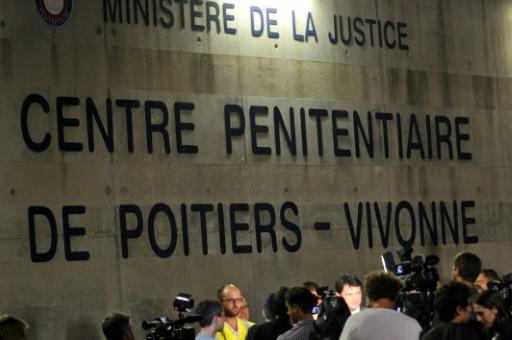 Jusqu'à 5 ans ferme prononcés au procès de la mutinerie de la prison de Vivonne en 2016