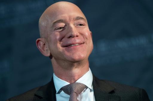 Bezos, patron d'Amazon, pioche dans sa fortune pour soutenir l'éducation