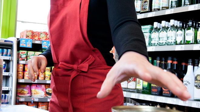 Verviers: une dame embrouille une jeune caissière et repart avec plus de 200 euros en poche
