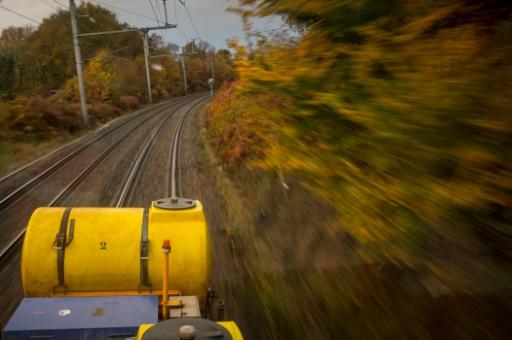 Zéro végétation sur les voies, la SNCF cherche une alternative au glyphosate