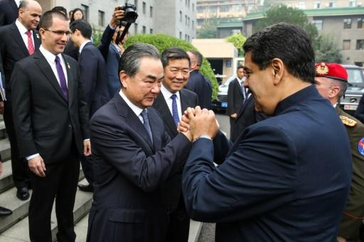 En Chine, Maduro rend hommage au