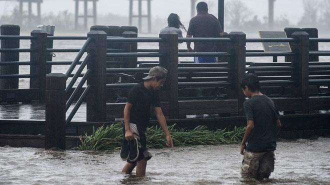 L'ouragan Florence a fait ses premières victimes: une femme et son bébé ont été tués en Caroline du Nord