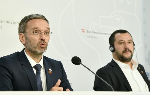 L'Autriche propose de trier les migrants sur des embarcations en mer