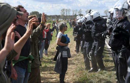Allemagne: 9 blessés lors de l'évacuation de militants écologistes