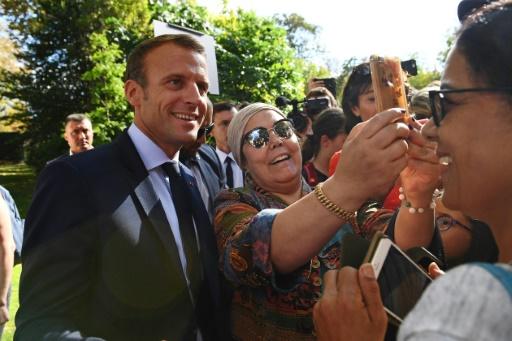 Macron conseille à un chômeur de se réorienter: dans la restauration, du travail