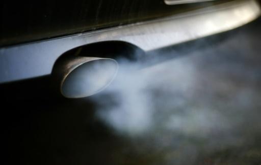 Emissions polluantes: enquête de l'UE contre BMW, Daimler et Volkswagen