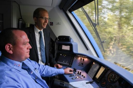 Fusion avec Siemens: le PDG d'Alstom n'envisage pas de fermeture de sites
