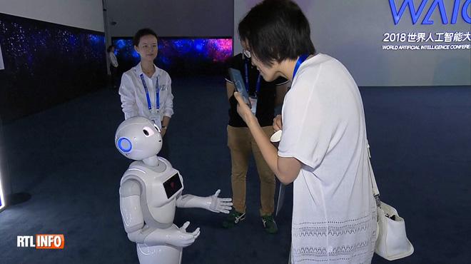 Grand sommet sur l'intelligence artificielle en Chine: que pourront faire les robots du futur ?