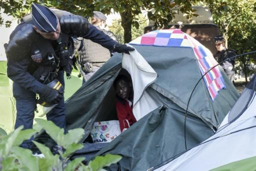 Près de 700 migrants évacués du centre de Nantes