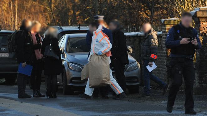 Accusé d'avoir étranglé et égorgé ses fillettes, Philippe Roufflaer est devant la justice: