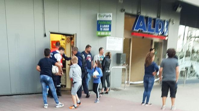 Anderlecht : un Aldi braqué à la hache par 4 individus cagoulés