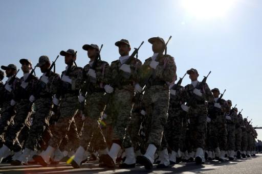 Iran: 20 blessés dans l'attentat contre un défilé militaire