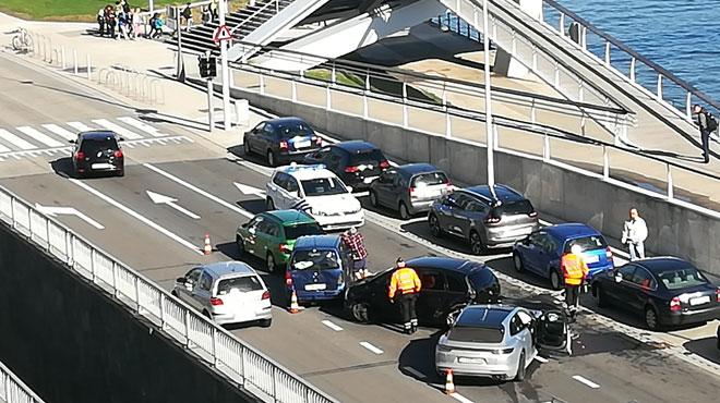 Carambolage sur le quai de Rome à Liège: quatre voitures impliquées