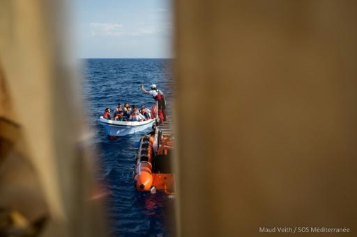 L'Aquarius dans l'attente d'un port pour débarquer ses 58 migrants