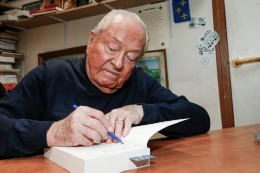 Jean-Marie Le Pen hospitalisé, mais ses jours
