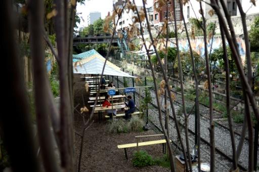 Terrasses, restaurants... La mairie de Paris recule sur un projet d'urbanisme contesté