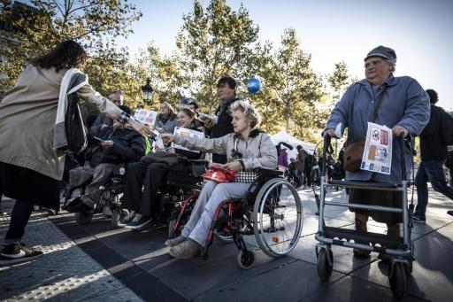 Handicap: manifestation à Paris pour l'accessibilité du métro