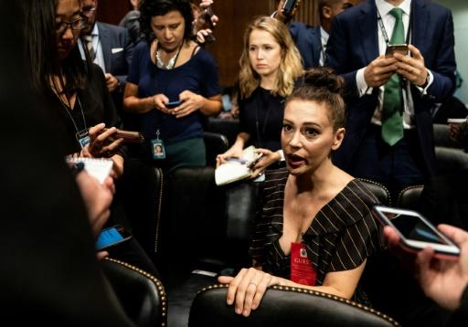 Au Sénat, Alyssa Milano apporte son