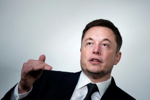 Elon Musk, patron de Tesla, un  visionnaire fantasque qui divise Wall Street