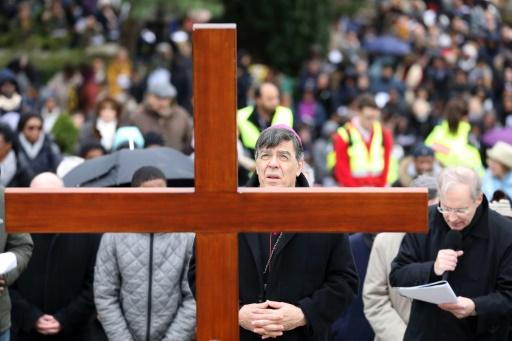 IVG: l'archevêque de Paris juge