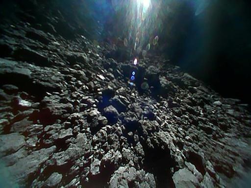 Mission éclair pour un robot lâché sur un astéroïde mercredi