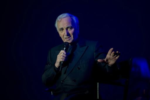 La presse met Charles Aznavour