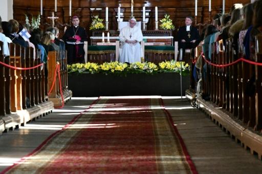 L'Eglise, en pleine crise, consacre un synode aux jeunes