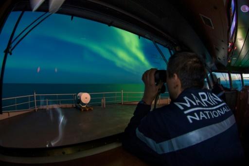 Arctique: le passage Nord-Est franchi pour la première fois par la Marine