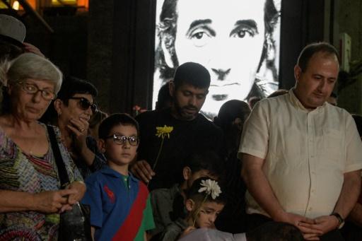 Recueillement en Arménie après la mort de Charles Aznavour