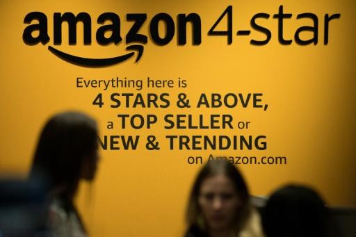 Etats-Unis: sous pression, Amazon augmente ses salaires