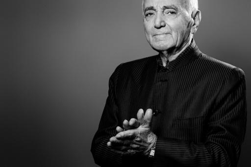 L'hommage national à Aznavour débutera vendredi à 10H00 aux Invalides